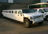 Лимузин Hummer H2 Ultra Super Stretch белый